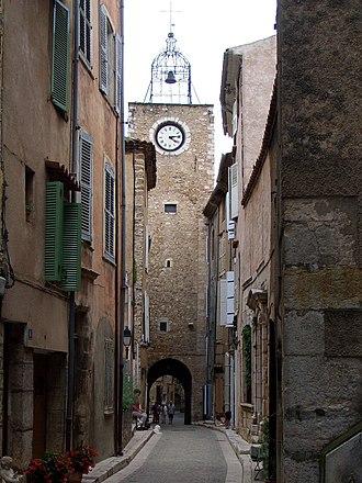 Aups - Rue de l'horloge (Clock Street)