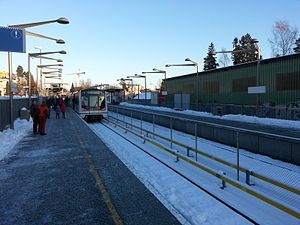 Avløs (station) - A MX3000 train at the rebuilt Avløs station, at the day of the official reopening.