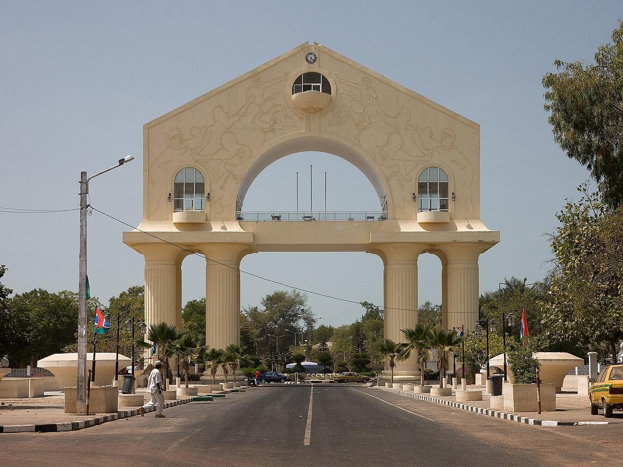 Monumen Arch 22 yang dibangun untuk memperingati kudeta tahun 1994.