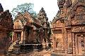 Banteay Srei Cambodia.jpg