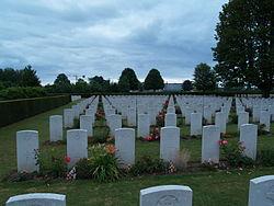 Bayeux War Cemetery (3).JPG