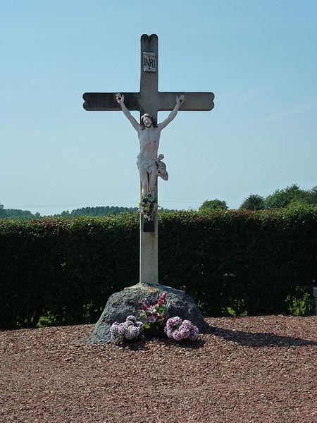 Bellaing (Nord, Fr) croix de cimetière