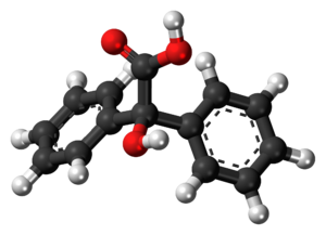 Benzilic acid - Image: Benzilic acid 3D balls