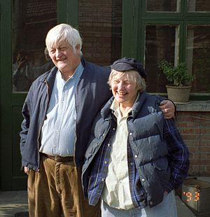 William H. Hinton - Bill Hinton with his sister Joan at her farm in Beijing (4/3/1993)