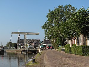 Burdaard - Image: Birdaard, ophaalbrug met kerk op achtergrond 2009 09 19 10.53