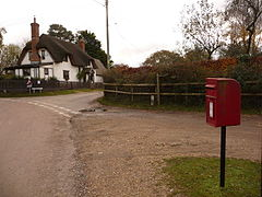 Blissford- postbox № SP6 17 - geograph.org.uk - 2171284.jpg