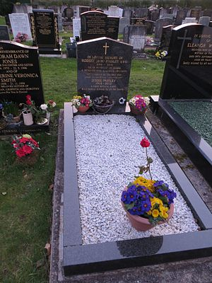 Bob Paisley - Paisley's grave in St Peter's Church, Woolton, Liverpool
