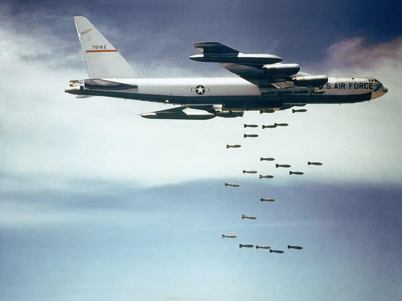 B52 dropping bombs