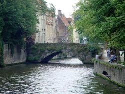 Eén van de vele reien en bruggen