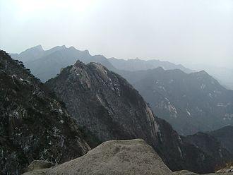 Bukhansan National Park - Image: Bukhansan National Park 2006 03 28