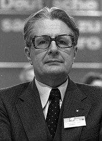 Hans-Jochen Vogel German politician
