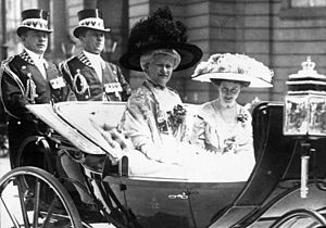Augusta Victoria of Schleswig-Holstein - With daughter Princess Viktoria Luise of Prussia, Berlin (1911)