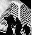 Bundesarchiv Bild 183-L0328-0022, Berlin, Alexanderplatz, Hochhaus, Touristikzentrum.jpg