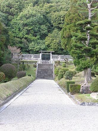 Emperor Shōmu - Memorial Shinto shrine and mausoleum honoring Emperor Shōmu