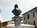 Busto Garibaldi, piazza Suzzara.jpg