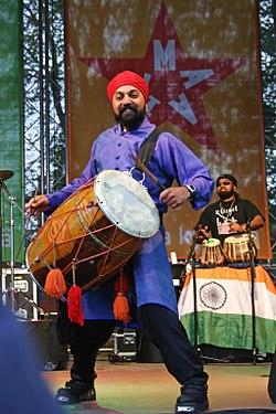 Buzz Singh Kissmet Helsinki2006.jpg