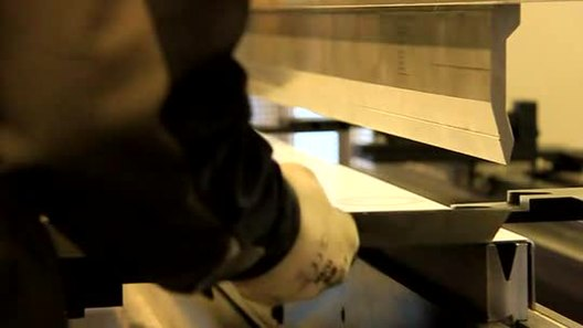 Press brake air bending video