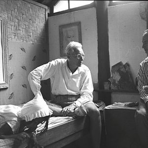 Rudolf Bonnet - Rudolf Bonnet in conversation with the Spanish artist Antonio Blanco, in the studio of Theo Carp, Iseh, December, 1953