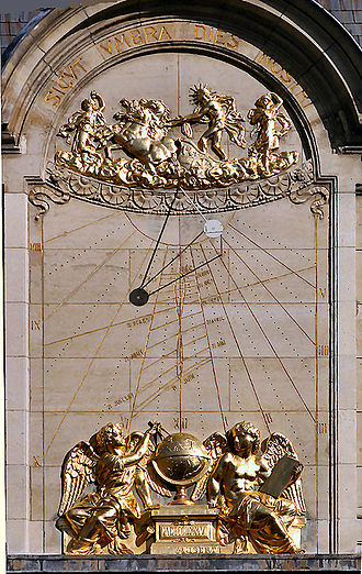 Jean Picard - Jean Picard sundial on the pediment of the Sorbonne