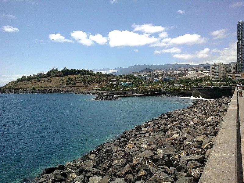 File:Canaries Tenerife Santa Cruz Auditorio Digue Portraits - panoramio.jpg