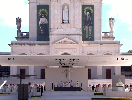 Pope Francis presides over the canonization of Francisco and Jacinta Marto, in the Sanctuary of Fatima, Portugal, in 2017 Canonizacao de Francisco e Jacinta Marto (13 de Maio de 2017).png