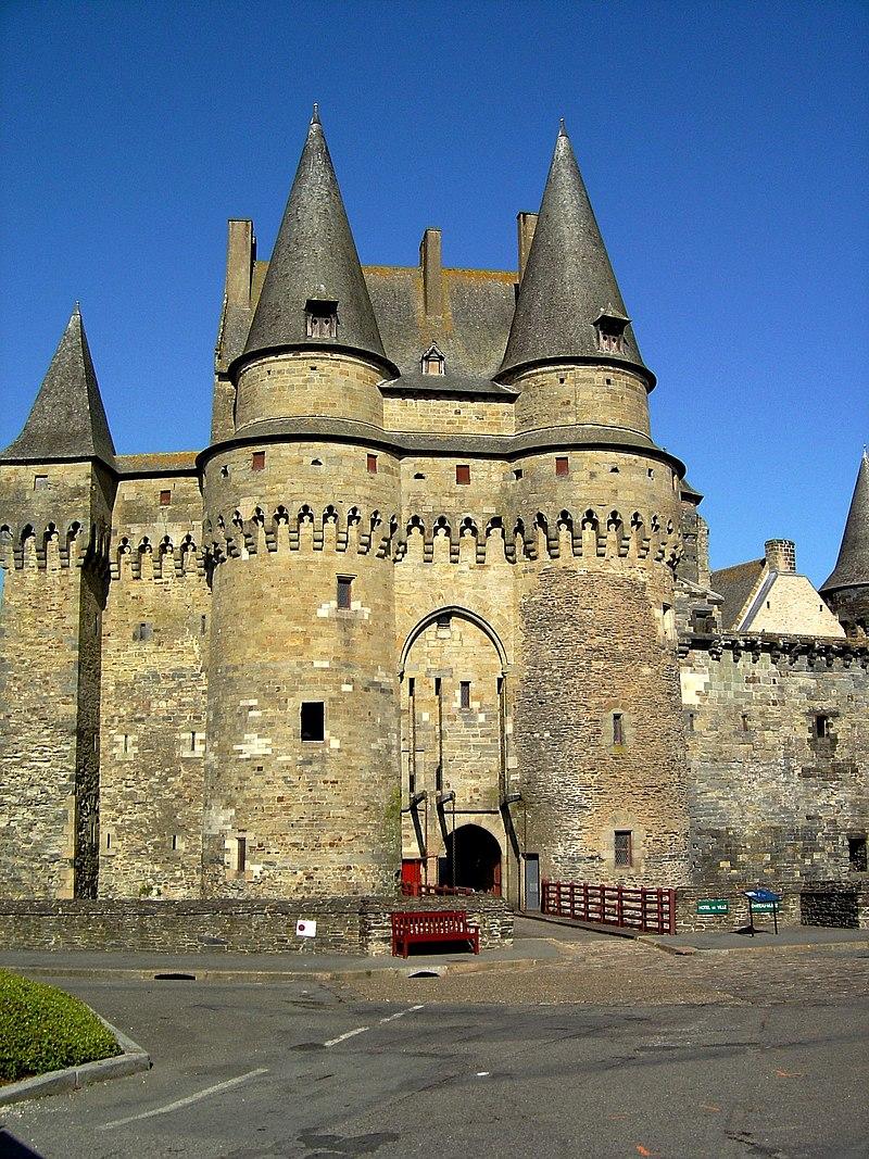 Castle-Vitre-France4.jpg