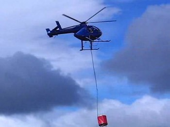 Fichier:Central South Island Helicopters ZK-HDN MD 520N video, Mt Allan fire, NZ 2010.ogv