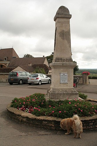 Chambolle-Musigny - Image: Chambolle war memorial