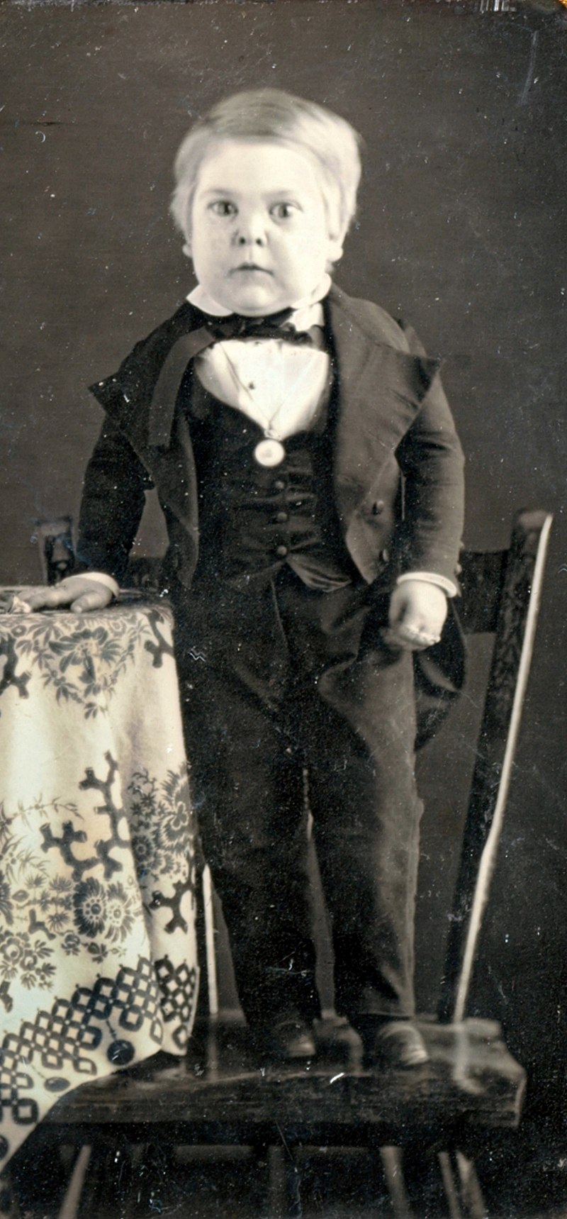 the real tom thumb only 2ft tall but brought happiness to