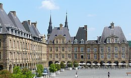 Charleville place ducale.jpg