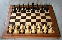 Chess board opening staunton.jpg