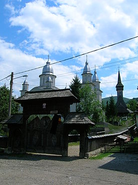 Churches-Botiza.JPG