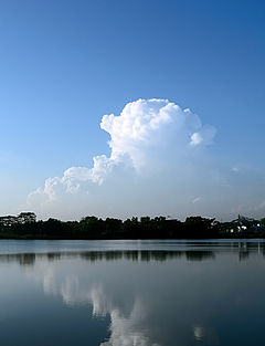 Cirrus clouds over the Lower Seletar Reservoir (333740180).jpg