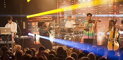 Picture of a band or musician: Clean Bandit