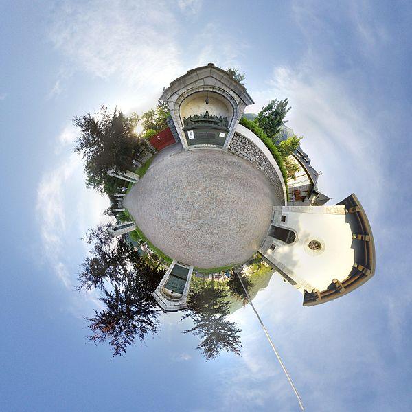 File:Cmglee Wikimania2016 Esino Lario Last Supper tinyplanet.jpg