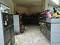 Columbarium cimetière de Sainte-Geneviève-des-Bois.jpg