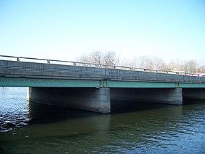 U.S. Route 131 - Image: Constantine MI bridge