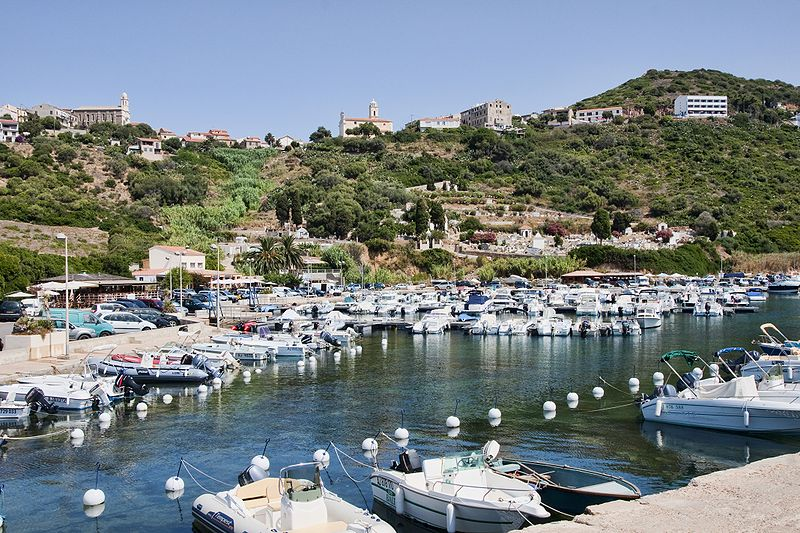 File:Corse - Cargèse vue du port.jpg