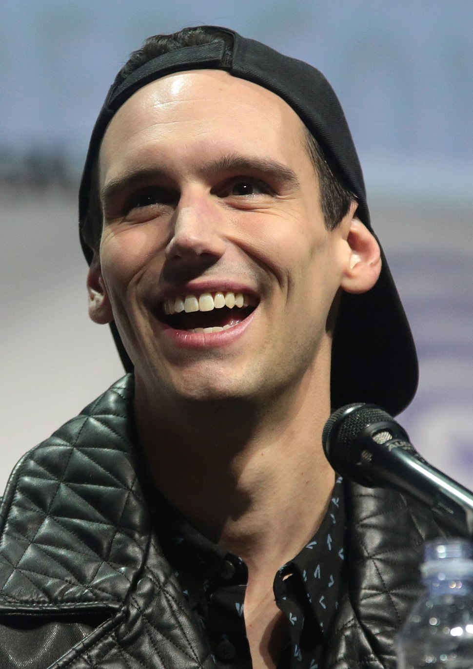 Cory Michael Smith by Gage Skidmore