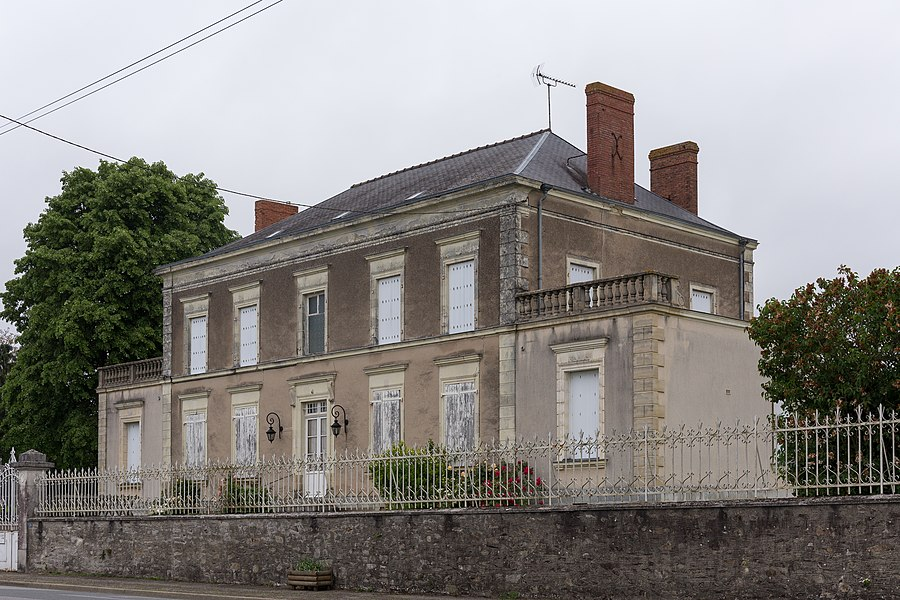 Maison à Cosmes (Mayenne)