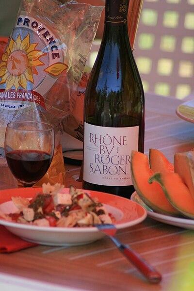 Fichier: Côtes du Rhône par Roger SABON et pairing.jpg alimentaire