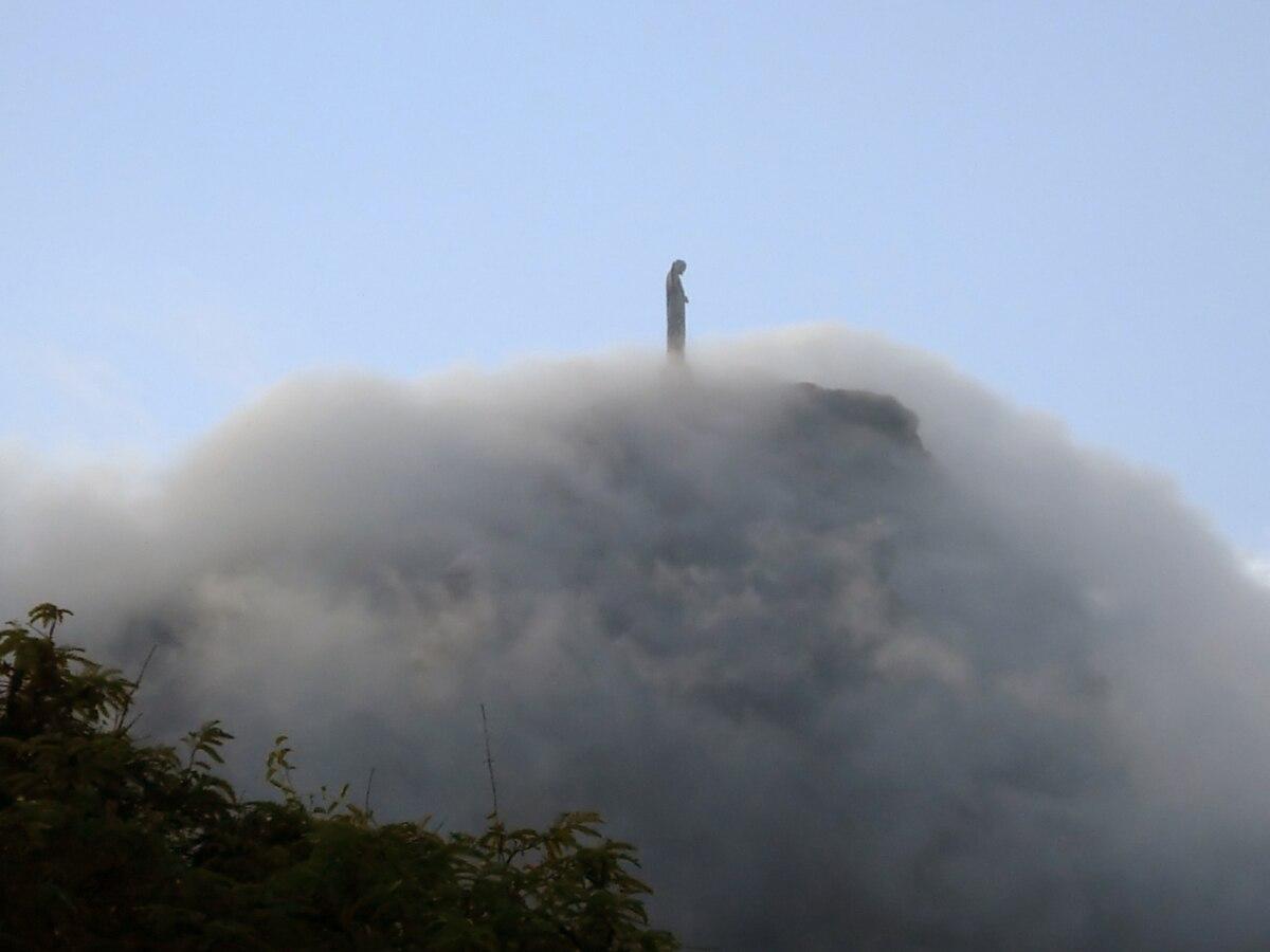 Cristo nuvem.JPG