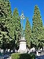 Croix du cimetière de Mazan.jpg