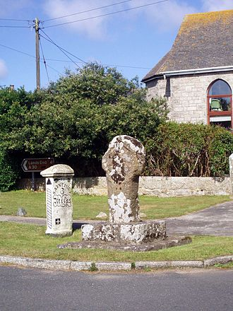 Crows-an-Wra - Celtic cross at Crows-an-Wra junction