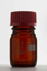 DURAN® laboratory bottle amber 100ml.jpg