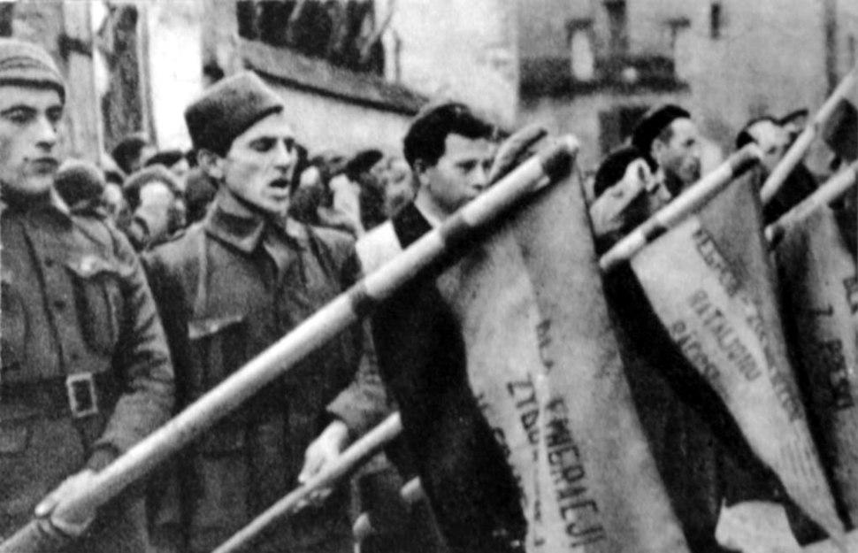 Dabrowszczacy przysiegaja wiernosc sprawie Republiki