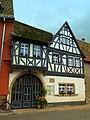 Das Fachwerkhaus in Flonheim war bis 1957 das GASTHAUS ZUM GRÜNEN BAUM - panoramio.jpg