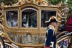 De gouden koets tijdens de rijtoer naar de ridderzaal.jpg