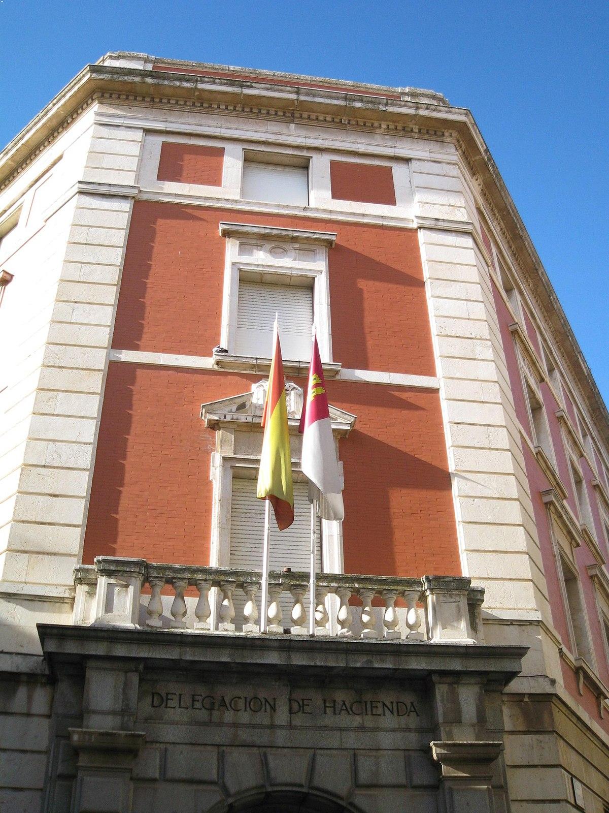 Edificio de la delegaci n de hacienda guadalajara for Oficina hacienda madrid