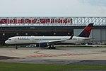 Delta N823DX Boeing 757-200 (34448998420).jpg